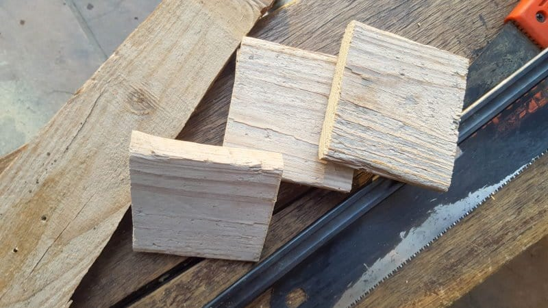 Cut the pallets into squares