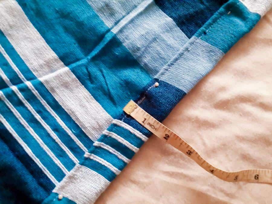 Measure, pin and stitch the edges #HammockDIY #ThrowRepurose #ACraftyMix #SummerTime #EasyDIYTutorial