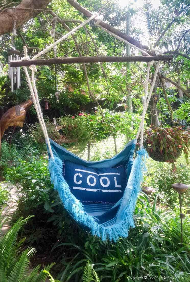 How to make a hammock in an afternoon. Easy DIY #HammockDIY #ThrowRepurose #ACraftyMix #SummerTime #EasyDIYTutorial
