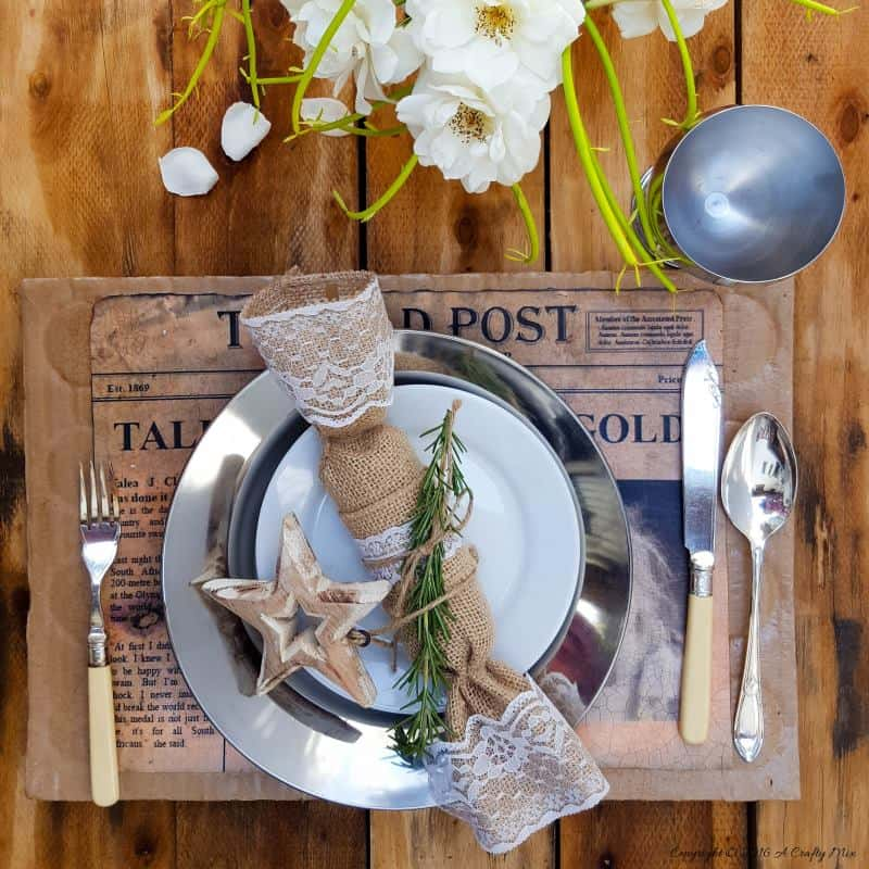 Make your guest feel extra special with these fun DIY lead story placemats. They're budget-friendly and easy to customise. #DIYPlacemats #ACraftyMix #RecycledBoxes