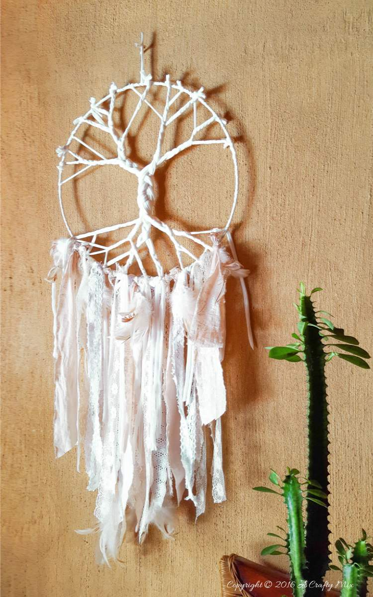 How to make a Tree of Life Dream Catcher using t-shirt yarn and scraps of fabric - full tutorial with pictures on the blog #DIYHomeDecor #Boho #Dreamcatcher