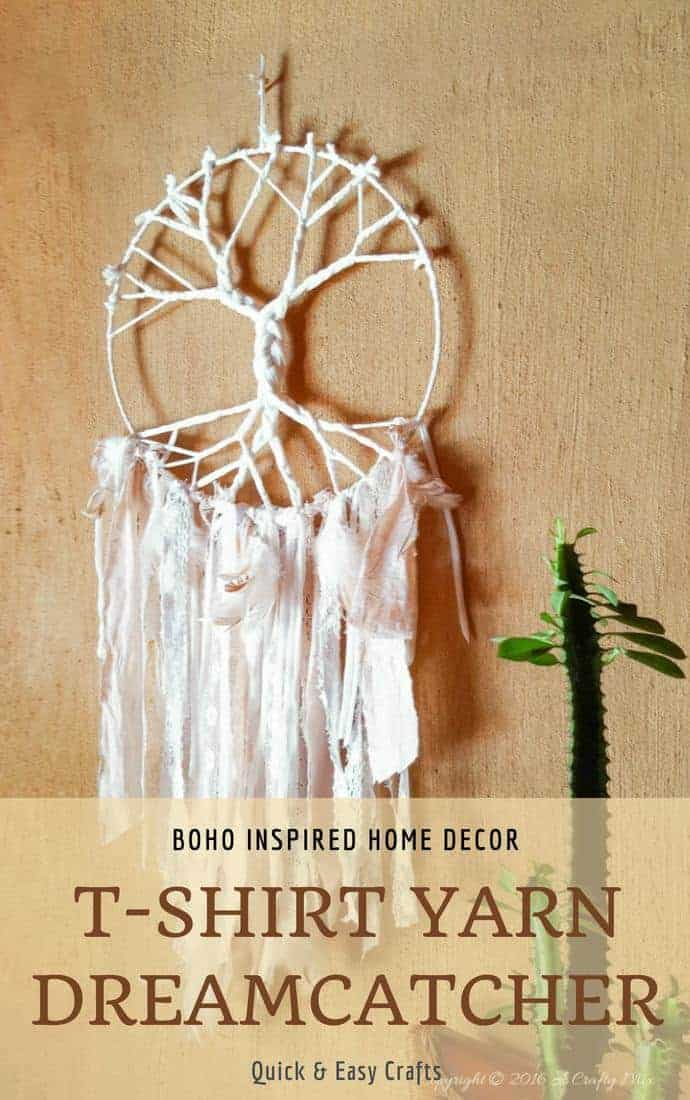 How to make a Tree of Life Dream Catcher using t-shirt yarn and scraps of fabric - full tutorial with pictures on the blog #DIYHomeDecor #Boho #Dreamcatcher #BohoStyle #BohoChic #DIYHome