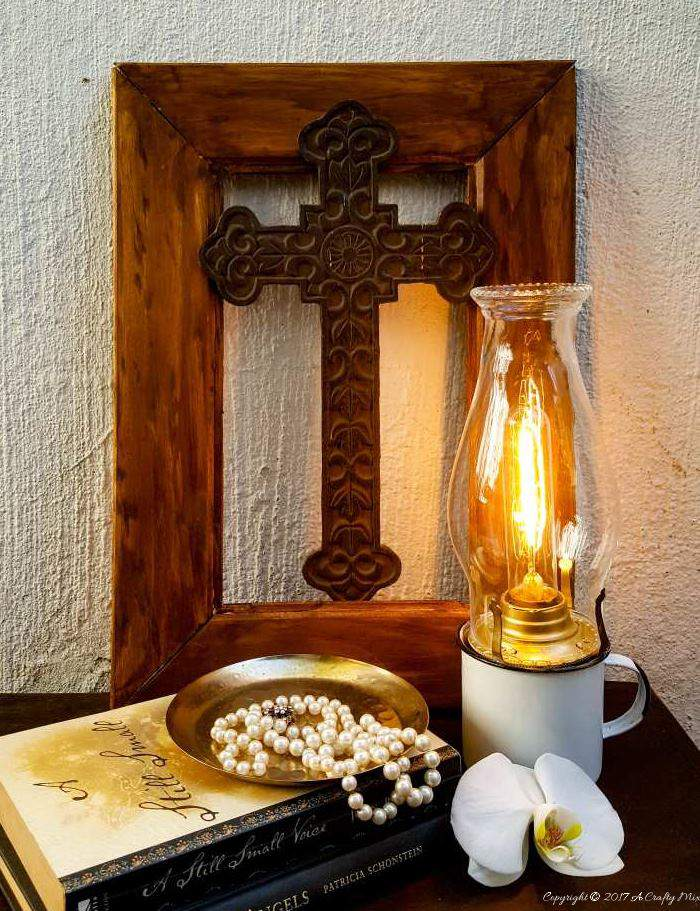 An electric enamel cup lantern makes a lovely statement - Easy DIY