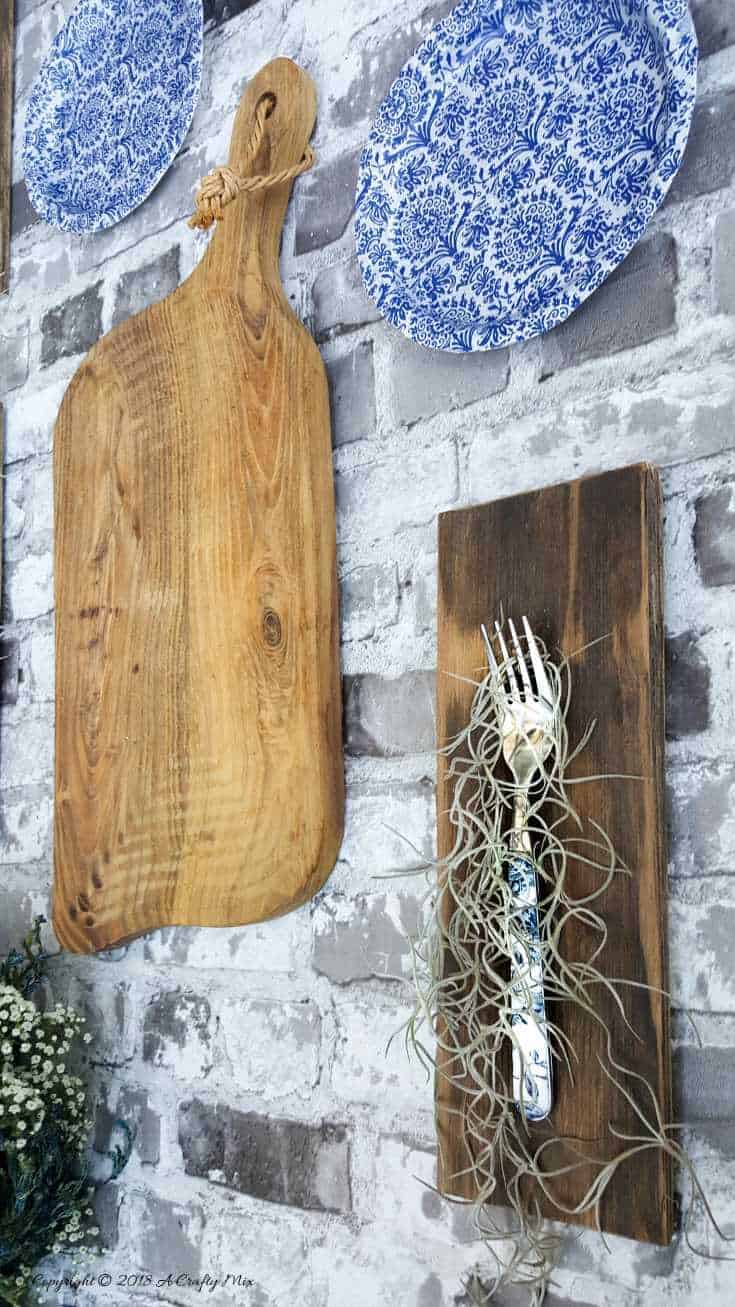 Do you have a whole bunch of ,mismatched forks? Try this quick and easy decor idea that can make a huge impact and add a unique touch to your gallery wall. Turn those forks into air planters #DIYHomeDecor #GalleryWall #Repurpose