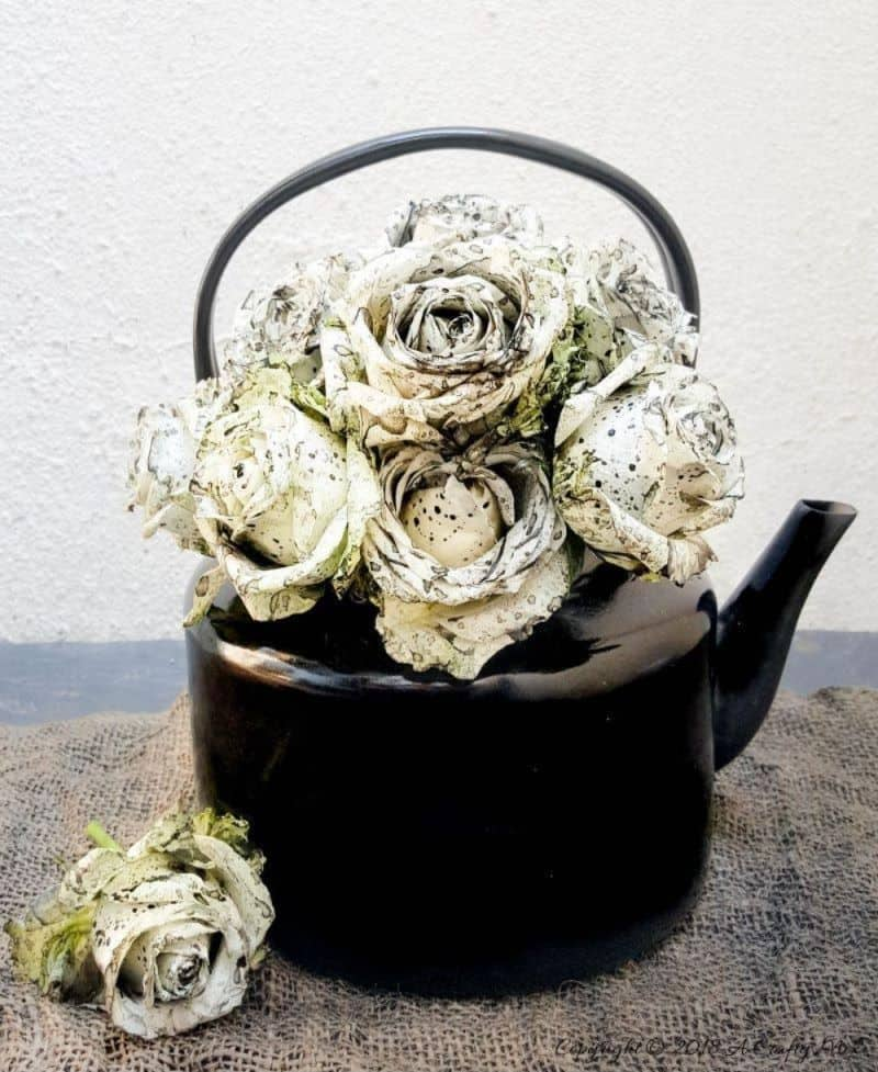 These striking Oreo Dipped Roses make a beautiful gift and will look lovely in a home. See how to make your own with this easy tutorial. #DIYHomeDecor #DyingRoses #ACraftyMix #OreoRoses #OreoDippedRoses #TheGiftOfFlowers