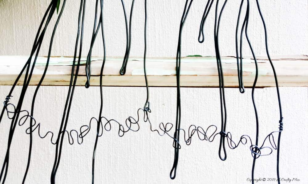 Bending the wire to make ruffles with video tutorial #WireArt #DIYTutorial #WallDecor
