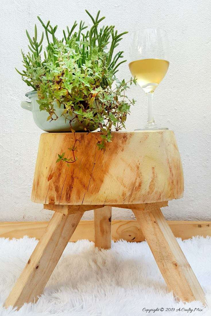 From tree stump to wooden stool. Full tutorial and a look into the lives of street artists in South Africa #StreetArtists #SouthAfrica #WoodenStool #TreeStumpRepurpose #ACraftyMix