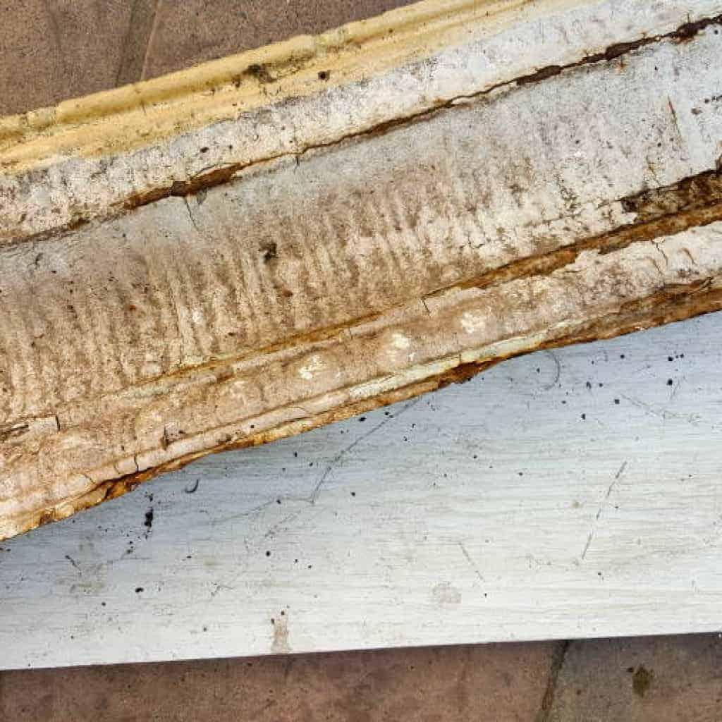 For the roof use old tin ceiling tiles #rusticbirdhouse #DIYbirdhouse #paintedbirdhouse #acraftymix #birdhouseideas #uniquebirdhouse