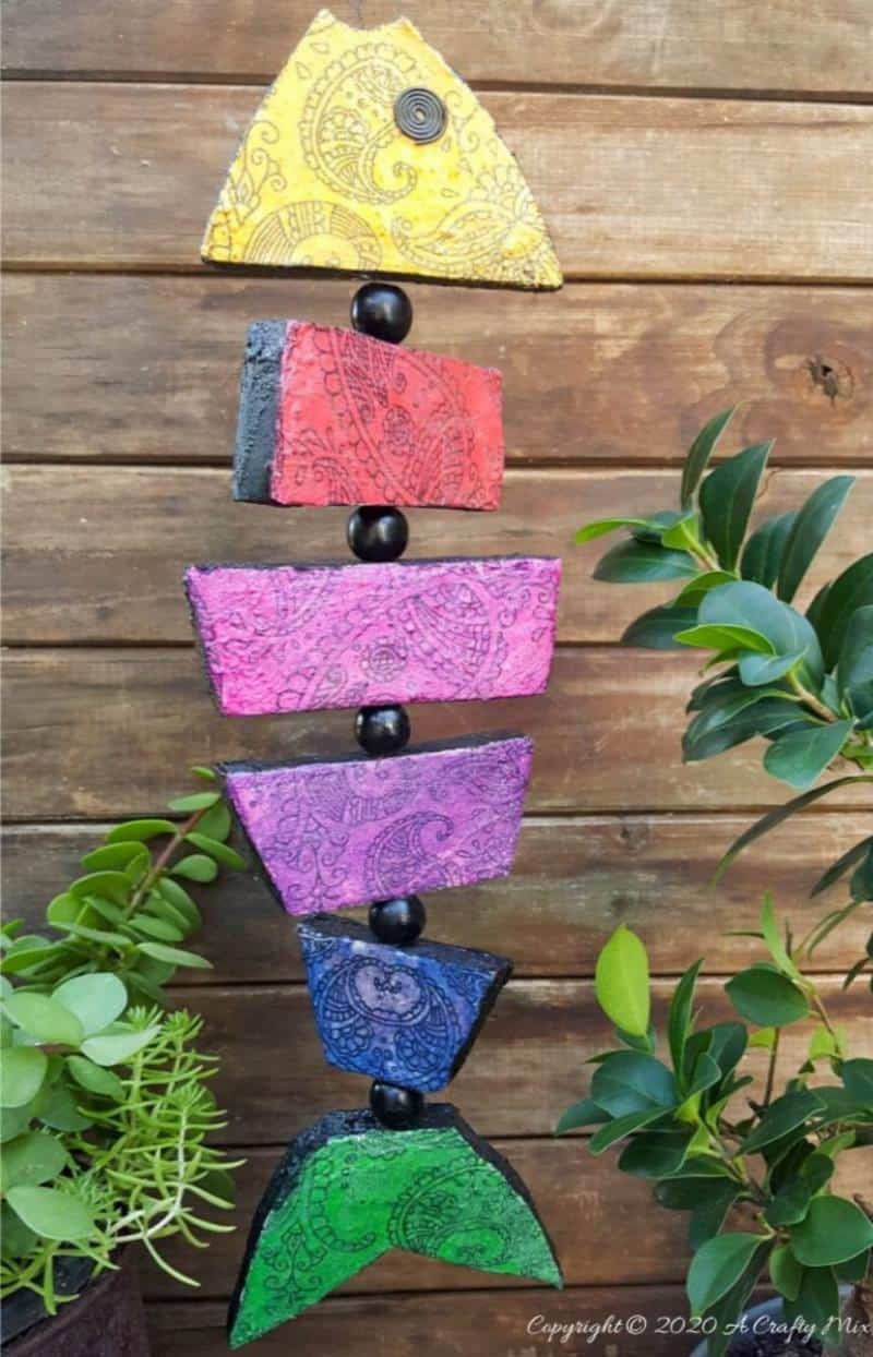 Quirky boho decor is SO easy and inexpensive to make, especially when it comes to this colorful boho fish wall art. The perfect Bohemian wall decor for just a few dollars. #Bohodecor #Bohohome #gallerywallideas #Unicornspitideas #BeachDecor #bohodecor #ACraftymix #EasyCreativeCrafts #kidscraft