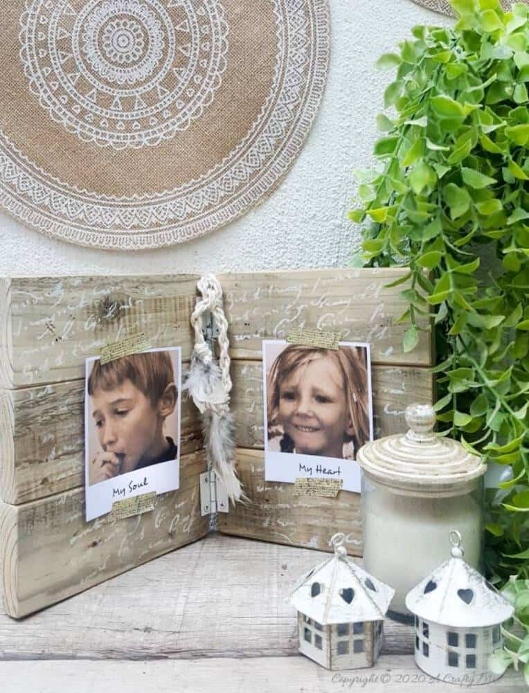 If you're looking for a fun way to display some of your special snaps, you're going to love this hinged picture frame made from scrap wood. Both the outside and inside can be customized to suit your décor style and it's super easy to change the photos or pics around without having to remove the glass and backing first. They make lovely gifts too. #HingedPictureFrame #DIYPictureFrame #TableTopFrame #ACraftyMix #DIYHomeDecor #EasyDIYFrame