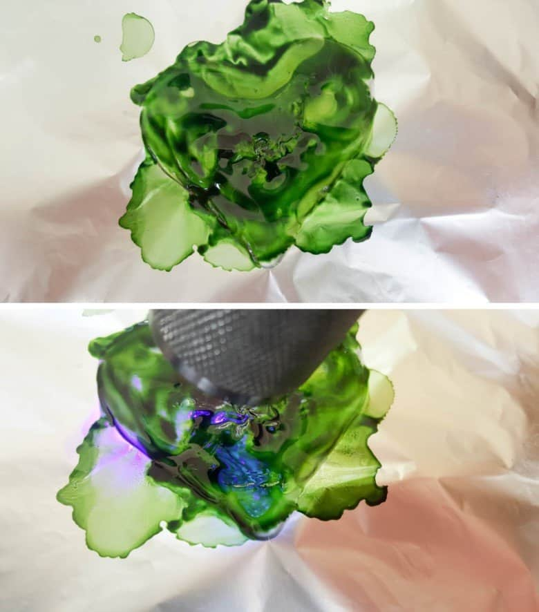 Add green alcohol ink on top of the resin heart