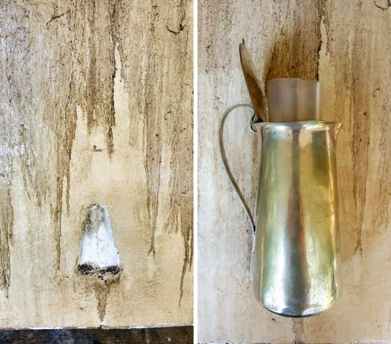 When the paint is completely dry. Glue the jug inside the hole and frame the backdrop.
