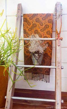 Industrial Chic Display Ladder – Easy DIY