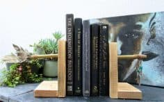 The Lost Art of Knapping and Easy DIY Arrow Bookends
