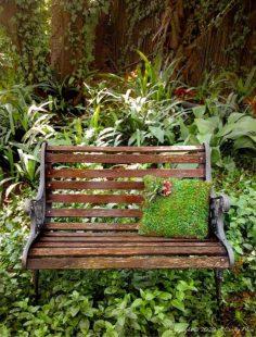 How to Make a Succulent Moss Pillow Planter