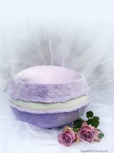 How to Make a Macaron Pillow – Free Tutorial